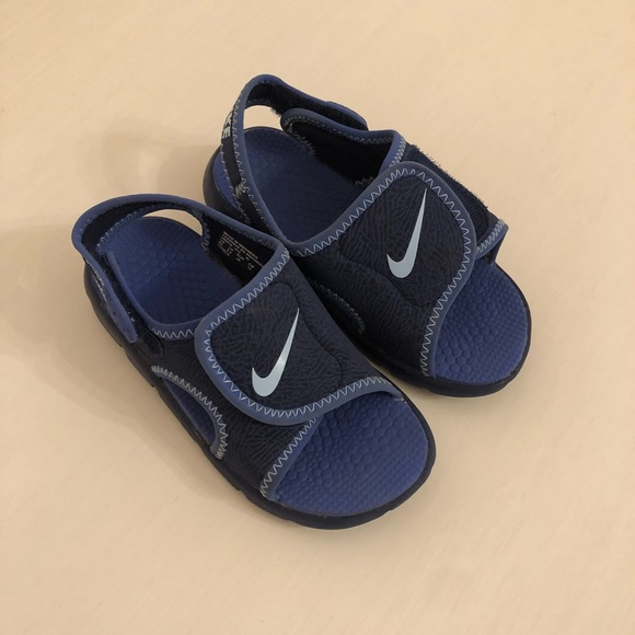 3ca672788159 Buy nike velcro sandals